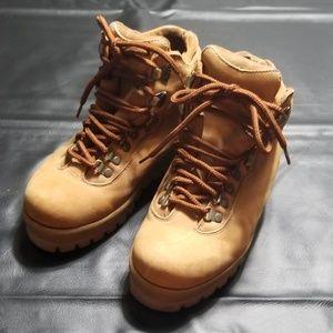 Lugs boots